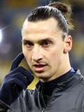 Zlatan Ibrahimovic during PSG Warmup in Kyiv - November 2012 - Looking into the camera